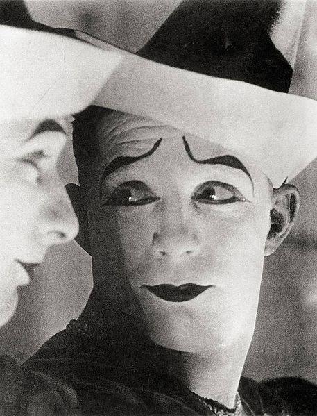 457px-Sasha_Stone_Clown_1931