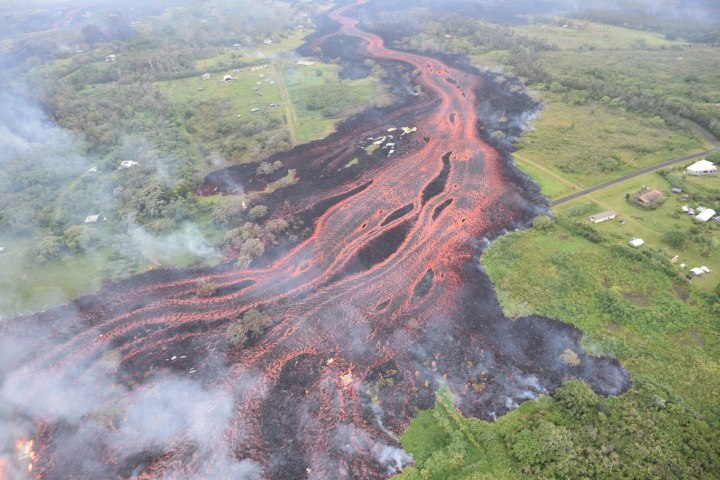 1599px-USGS_Kīlauea_multimediaFile-2062